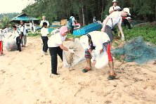 Collection efforts to rid Tioman's beautiful beaches from discarded rubbish